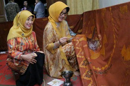 Festival Hari Batik Nasional