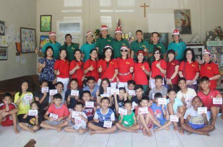 250 Amplop Natal Ai Xin untuk Anak Panti dan Jompo
